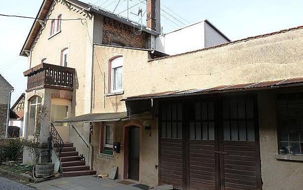 06 Hauseingang mit Garage