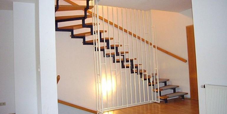 06 Innenliegende Treppe zum OG