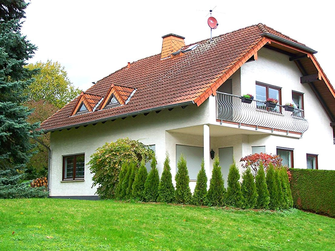 Großzügiges Einfamilienhaus mit 5 Zimmern und 2 Bädern in Lindenholzhausen
