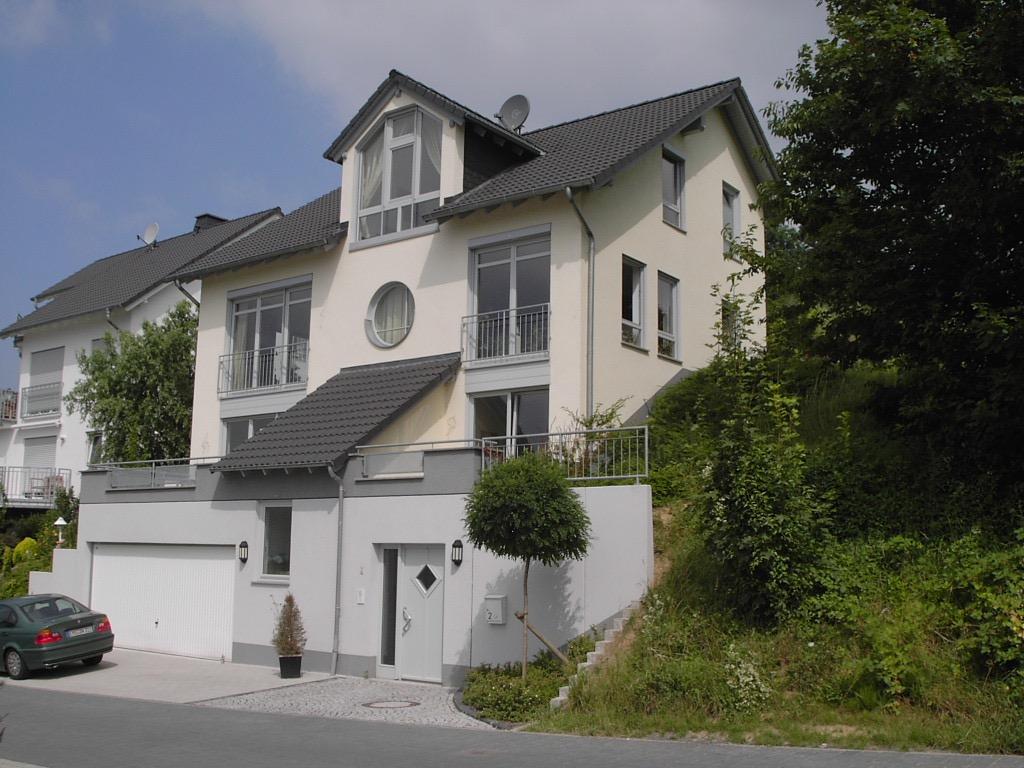 Elegantes und charmantes Einfamilienhaus in Spitzenlage vor den Toren Limburgs