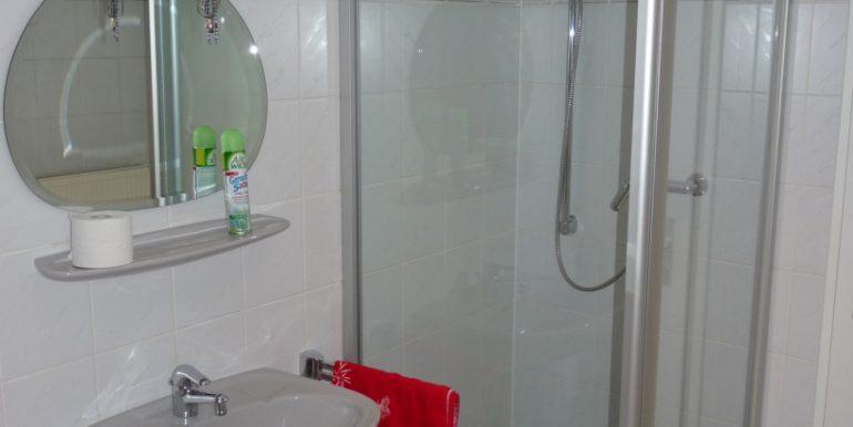 Dusche im UG