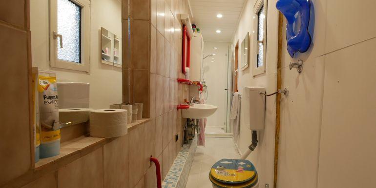 Duschbad mit WC im OG