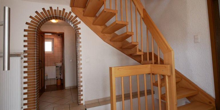Diele m. Treppenhaus