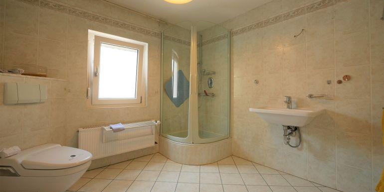 Duschbad im 1.OG