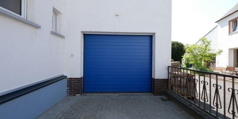Garage u. Stellplatz