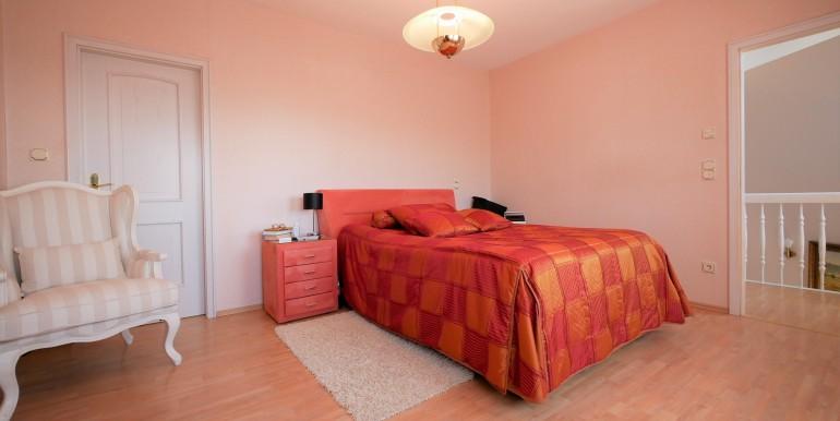 Schlafzimmer mit Ankleide 2