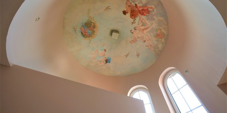 Treppenhaus-Turm mit Deckenmalerei 2